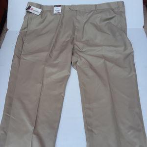 Roundtree and Yorke TravelSmart khaki dress pants